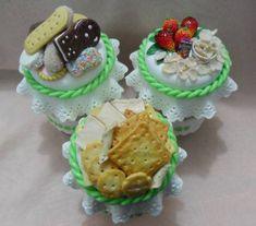 Potes decorados em biscuit