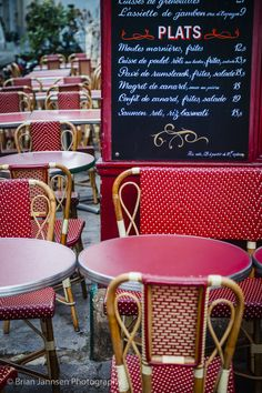 Outdoor seating at le Consulat Cafe in Montmartre, Paris France. © Brian Jannsen Photography