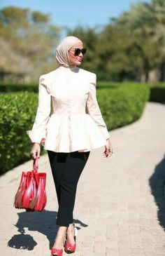 Mrmr_4 Hijab Casual, Hijab Chic, Hijab Outfit, Weird Fashion, Modest Fashion, Fashion Outfits, Muslim Women Fashion, Modele Hijab, Hijab Look