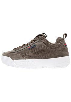 designer fashion 76e13 ff9ca Les Fila Disruptor restockées en petites tailles, de nouveaux coloris  disponibles. Chaussures ...