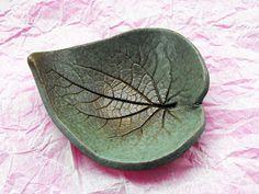 Leaf shaped ceramic soap dish