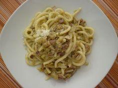 Pici pasta dish Pici del Paradiso with carciofi and pancetta Pici Pasta, Tuscany Food, Tuscan Recipes, Tortellini, Ravioli, Italian Style, Gnocchi, Pasta Dishes, Spaghetti