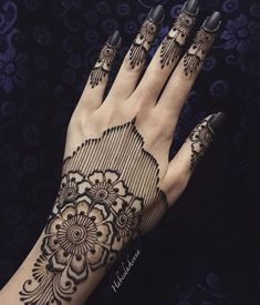 Henna Tattoo Designs Simple, Henna Art Designs, Modern Mehndi Designs, Beautiful Henna Designs, Latest Mehndi Designs, Mehndi Designs For Hands, Beautiful Mehndi, Henna Tattoo Hand, Henna Mehndi