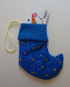 Make it Yourself: elf-stocking gift card holder - The Good Weekly
