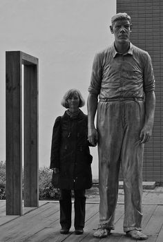 The giant and I - by AstridWestvang De reus van Rotterdam... daar vertelde mijn moeder vroeger over... zij kende hem.