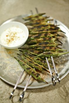 The Chubby Vegetarian: Berbere-Spiced Grilled Okra With Ricotta Vegetarian Options, Vegetarian Recipes, Healthy Recipes, Yummy Recipes, Healthy Food, Grilled Okra, Berbere Spice, My Favorite Food, Favorite Recipes