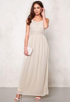 82bdb50b6e91 26 bästa bilderna på Dresses | White dress, Behance och Behavior