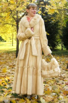 blonde mink fur coat & bag