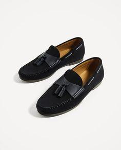 Imagem 1 de MOCASSIM PELE AZUL BORLAS da Zara Suit Shoes, Men S Shoes, Dress Shoes, Leather Tassel, Leather Shoes, Hardy Amies, Zara, Fashion Shoes, Mens Fashion