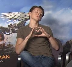 """244 Me gusta, 13 comentarios - Quackson claxon (@tomftpeter) en Instagram: """"Tomorrow i have a biology test and i didn't study too much wish me luck [#tomholland #spiderman…"""""""