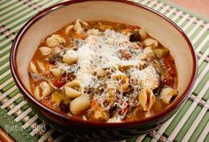 Meatless Minestrone from Skinnytaste is a perfect Meatless Monday dinner!  [From Skinnytaste via Slow Cooker from Scratch]