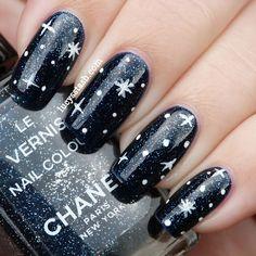 Chanel Night Sky #stars #black #white 3d Nail Art, Cool Nail Art, Sky Nails, Galaxy Nails, Cosmic Nails, Dark Nails, New Year's Nails, Hair And Nails, Cute Nails