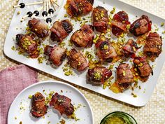 Our best make-ahead Christmas appetizers allow you to spend less time in the kitchen and more time with family this holiday season. Bacon Appetizers, Appetizer Recipes, Appetizer Ideas, Bacon Recipes, Grilling Recipes, Appetizer Sandwiches, Easy Recipes, Make Ahead Christmas Appetizers, Mignon Steak