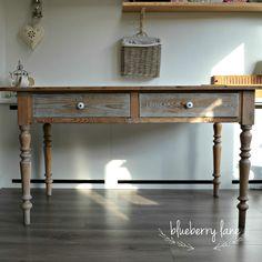 Tafels en stoelen restyled bij blueberry lane Entryway Tables, Furniture, Home Decor, Homemade Home Decor, Home Furnishings, Decoration Home, Arredamento, Interior Decorating