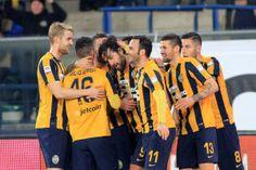 Esultanza di Luca Toni con la maglia del #Verona calcio nel campionato 2015/16.