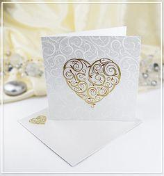 Bílé svatební oznámení zdobené srdíčky - G903B : svatební oznámení