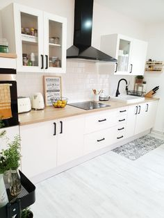 Kitchen Room Design, Home Room Design, Home Decor Kitchen, Interior Design Kitchen, Kitchen Furniture, Home Kitchens, Kitchen Modular, Küchen Design, Kitchen Remodel