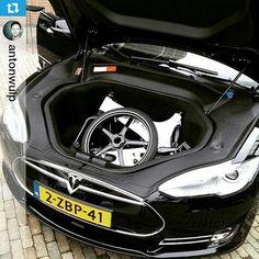 #gocycle past in een #Tesla !! #florismoo - www.florismoo.nl