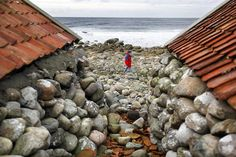 De restaurerte naustene ikke langt fra Varhaug gamle kyrkjegard Western Coast, North Sea, My Land, Sandy Beaches, Norway, Attraction, Traveling By Yourself, Water, Outdoor