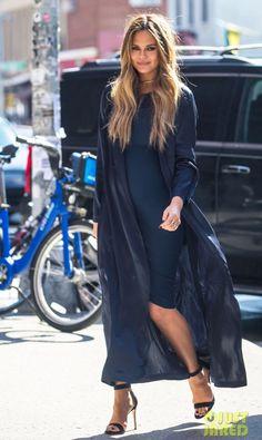 Chrissy Teigen (pregnant) style 2016