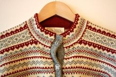 Scandinavian Fair Isle Wool Vintage Sweater Cardigan Red Grey White Womens Small