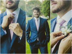 Terno do noivo | Noivo | Groom | Traje do noivo | Roupa do noivo | Dia do noivo | Making of do noivo | Groom's suit | Suit and tie | Terno | Inesquecível Casamento | Noivo com lapela | Flor | Flower