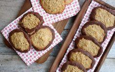 Hei! For å vere heilt ærlig så er det veldig få av dei tradisjonelle julekakene eg egentlig synes noko om. Doble sjokoladeflarn er kanskje ikkje den mest tradisjonelle, men det er ei av dei julekakene eg er vokst opp med som faktisk er veldig gode etter min smak 🙂 På mandag delte eg oppskrift på … Snacks, Cookies, Desserts, Food, Crack Crackers, Tailgate Desserts, Appetizers, Deserts, Eten