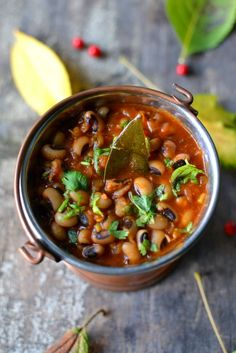 Punjabi Lobia Masala: A tongue-tickling yet easy and healthy curry with Black-eyed peas to warm you up this fall.