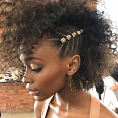 ↠ xo_nikkibroome❥ Hair Stuff Curly hair styles, Hair styles natural hair braid styles for short hair - Natural Hair Styles Natural Hair Braids, Natural Hair Care, Short Afro Hairstyles Natural, Natural Curls, Kids Natural Hair, Short Natural Hair, Best Curly Haircuts, Curly Mohawk Hairstyles, Rubber Band Hairstyles