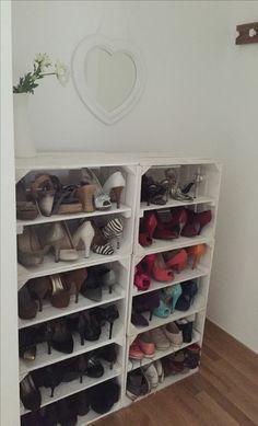 Mein Liebling <3 DIY Schuhschrank aus Shabby-Chic Kisten (mit Zwischenboden). Upcycling kann so schön sein!