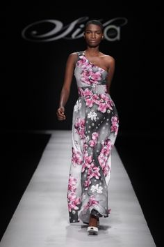 Ghanaian label Sika Designs presented a collection that engaged the audience in such an appealing manner! From the solid structured pieces which combined - Ijeoma Balogun. African Inspired Fashion, Africa Fashion, Bold Fashion, Autumn Fashion, Pretty Dresses, Beautiful Dresses, African Design, African Style, Dress To Impress