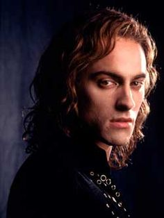 Lestat character from the movie Queen of the Damned, Stewart Townsend.