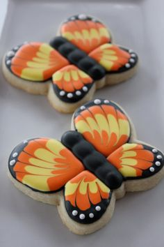 Springtime, butterfly cookies/ YankeeGirlYummies on etsy