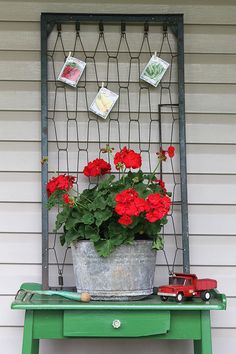 Spring is the best time to find yard sale treasures and I& showing you my latest yard sale finds, including crib springs repurposed into porch decor. Garden Junk, Garden Art, Crib Spring, Yard Sale Finds, Red Geraniums, Bed Springs, Repurposed Items, Summer Flowers, Porch Decorating