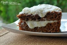 Torta fredda con crema al cocco e nesquik,fresca e golosa con un morbido pan di spagna al nesquik e tanta crema al cocco