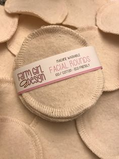 Facials 185562447131318312 - Facial rounds Makeup Remover Facial Towel Flannel Source by aimeeeg Makeup Remover Pads, Makeup Wipes, Face Makeup, Zero Waste Store, Little Rose, Sustainable Living, Sustainable Products, Home Design, Sewing Projects