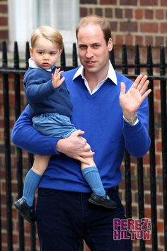 So exciting! RT #PrinceWilliam & #PrinceGeorge arrive at the hospital!