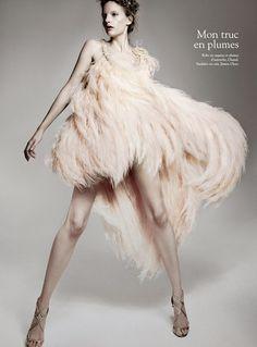Anna de Rijk in Chanel, photo by Jean-François Campos Foto Fashion, High Fashion, Fashion Beauty, Womens Fashion, 3d Fashion, Animal Fashion, Chanel Fashion, Dress Fashion, Pose