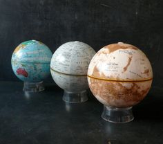 Earth, Moon and Mars Globes. Replogle.