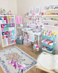 40 Art Room And Craft Room Organization Decor Ideas - artmyideas Craft Room Storage, Craft Organization, Craft Rooms, Yarn Storage, Organization Ideas, Girls Room Organization, Office Organisation, Cube Storage, Storage Ideas
