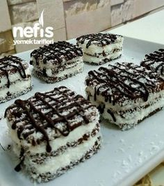 Quickie Serving Cake in 10 Minutes- 10 Dakikada Şipşak Porsiyonluk Pasta Quickie Serving Cake in 10 Minutes - Easy Banana Bread, Banana Bread Recipes, Cake Recipes, Snack Recipes, Dessert Recipes, Light Snacks, Cake Servings, Sweet Desserts, Confectionery