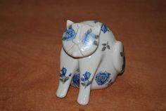 kocour, Royal Dux, design Pravoslav Rada porcelán a obtisky