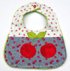 Lätzchen mit Frottee von Beblys Kreativlabor auf DaWanda.com