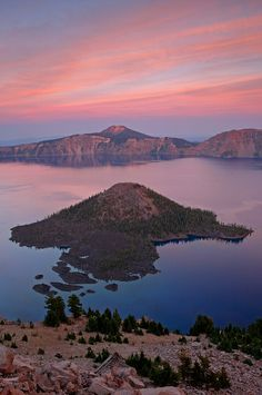 Wizard Island at sunset, Crater Lake National Park, Oregon