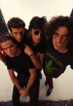 Los Rodríguez fue una banda de rock madrileña, formada por dos músicos argentinos (Andrés Calamaro y Ariel Rot) y dos españoles (Germán Vilella y Julián Infante), que desarrolló su carrera en los años 1990.