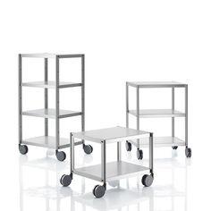 Rack er et reolsystem i aluminium og designet af designeren Marc Berthier. Praktisk da der er hjul under og kan derfor nemt flyttes på. #kontorskabe #reoler #skabe #kontormøbler #kontorindretning #møbler #til #erhverv