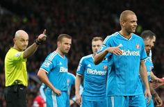 Martin Keown: Sunderland's joke of a red card handed Manchester United the game. http://www.squawka.com/news/martin-keown-reckons-sunderlands-red-card-helped-get-man-united-out-of-jail/316143 #mufc #epl #manutd #soccer