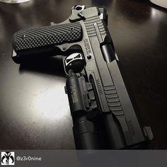 """8,496 Beğenme, 99 Yorum - Instagram'da SIG SAUER (@sigsauerinc): """"#SIGSAUER #1911 #TACOPS #repost @z3r0nine"""""""