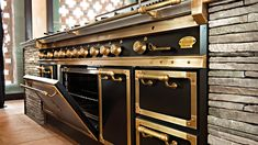 Mediterranean homes – Mediterranean Home Decor Brass Kitchen, Kitchen Decor, Luxury Kitchens, Cool Kitchens, Dream Kitchens, Palace, Diy Kitchen Remodel, Mediterranean Home Decor, Professional Kitchen