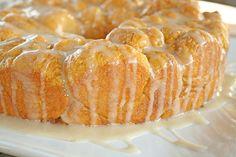 Pumpkin Pull Apart monkey Bread (with Maple Glaze) - Thanksgiving breakfast